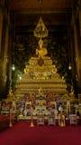 Золотой Будда в зале, виске Wat Phra Chetupon Vimolmangklararm Wat Pho, Таиланде Стоковое Изображение RF