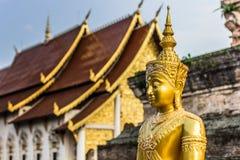 Золотой Будда в Чиангмае, Таиланде стоковая фотография rf