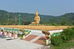 Золотой Будда. Стоковое фото RF