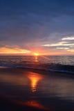 Золотой восход солнца над океаном Стоковая Фотография RF