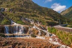 Золотой водопад один из самого красивого водопада в Тайване стоковые фотографии rf