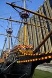 Золотой задний корабль Galleon в Лондоне стоковое изображение