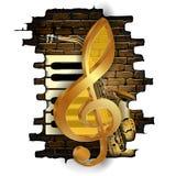 Золотой дискантовый ключ на кирпичной стене Стоковые Изображения
