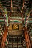 Золотой потолок дракона Стоковая Фотография RF