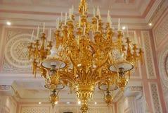 Золотой подсвечник блеска Candelier Стоковое Изображение