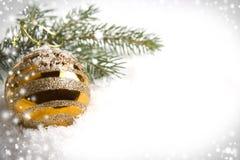 Золотой шарик стоковые фотографии rf