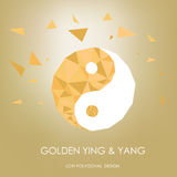 Золотой ying и yang концепция низко полигональная desing Стоковые Изображения RF