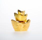 Золото или китайские символы середины золотого ингота богатства и процветания Стоковое фото RF