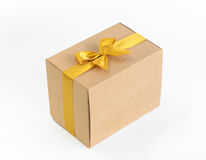 золото подарка коробки смычка Стоковые Фотографии RF
