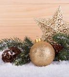 золото украшений рождества шарика Стоковое Изображение RF