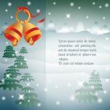 Золотые колоколы, рождественские елки на предпосылке ночи зимы бесплатная иллюстрация
