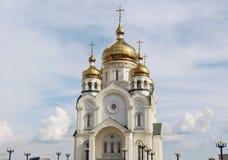 Золотые куполы с крестами стоковое фото rf