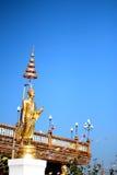 Золотые статуи идола Стоковые Фотографии RF