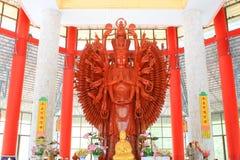 Золотые тысяча рук Quan Yin Стоковое фото RF