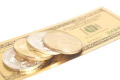 Золотые bitcoins серебра конца с u S Доллар Стоковые Фото