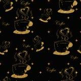Золотые steamy чашки кофе Стоковые Изображения