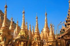 Золотые stupas в Shwedagon Zedi Daw, Янгоне, Мьянме Стоковая Фотография