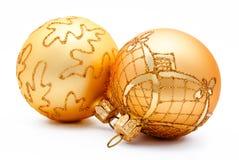 2 золотых изолированного шарика рождества Стоковая Фотография RF