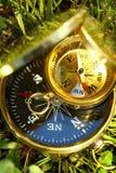 2 золотых компаса Стоковые Изображения