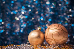 2 золотых Нового Года шариков Стоковые Фотографии RF