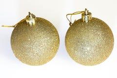2 золотых шарика украшения рождества Стоковые Изображения RF