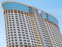 зодчество Один из домов современного высотного здания жилых в Москве Стоковые Изображения