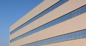 зодчество самомоднейшее Здание в высокотехнологичном стиле Стоковые Фото