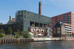 Старое и самомоднейшее зодчество на оживлении реки, Берлин Стоковое фото RF