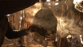 Зрелая ветчина Nuodeng оно было посолено 3 леты и высушенного на воздухе совершенно Еда традиционного китайския стоковая фотография
