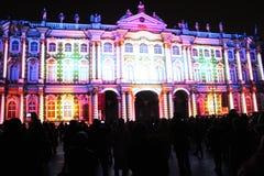 Зрелище проекции 3D-mapping команды студии Luca Agnani на фестивале Light-2017 в Санкт-Петербурге в России стоковые фото