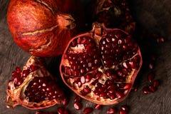 Зрелые плодоовощ гранатового дерева и семена гранатового дерева Стоковая Фотография RF