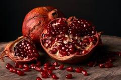 Зрелые плодоовощ гранатового дерева и семена гранатового дерева Стоковые Изображения RF