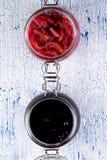 Зрелое варенье смородины и зрелые груши дальше Стоковое Изображение RF