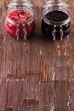 Зрелое варенье смородины и зрелые груши дальше Стоковая Фотография RF