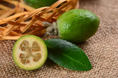 Зрелое feijoa плодоовощ Стоковые Фото