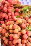 Зрелое lychee в рынке Стоковая Фотография