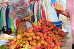 Зрелое lychee в рынке Стоковое Фото