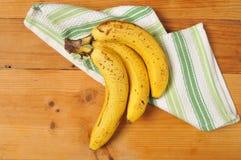 Зрелые бананы стоковые изображения