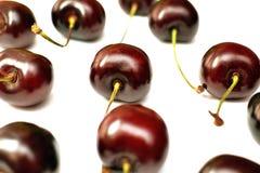 Зрелые красные ягоды вишни Стоковые Изображения
