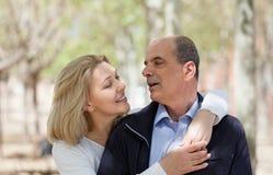 Зрелые пары в влюбленности внешней Стоковая Фотография RF