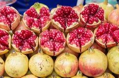 Зрелый плодоовощ гранатового дерева Стоковые Изображения
