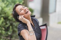 Зрелый смеяться над коммерсантки Стоковое Изображение