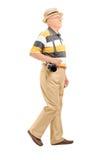 Зрелый турист с идти камеры Стоковое Изображение RF