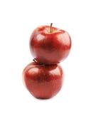 2 зрелых красных изолированного яблока Стоковые Изображения