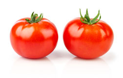 2 зрелых красных овоща томатов изолировано Стоковые Фотографии RF