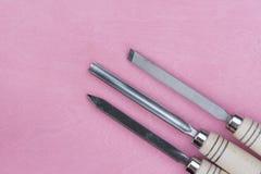 2 зубила на розовой предпосылке Стоковые Изображения RF