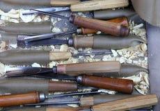 Зубила и инструменты для того чтобы высечь деревянные скульптуры Стоковые Изображения RF