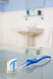 зубная паста зубной щетки Стоковая Фотография