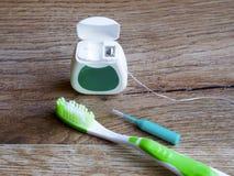Зубоврачебная зубочистка, зубная щетка и interdental щетка стоковые фото