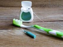 Зубоврачебная зубочистка, зубная щетка и interdental щетка стоковое изображение